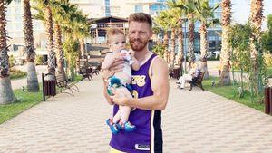 Экс-баскетболистка Кейру показала фото первой встречи футболиста Новосельцева с годовалым сыном