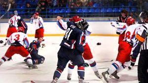 Грандиозная драка Россия — США в 2007-м. Американским хоккеистам дали команду бить русских, но план провалился