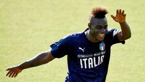 Балотелли переходит в клуб серии В, которым управляет Берлускони. Чем Марио занимался последние полгода до «Монцы»