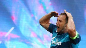 «Дзюбинатор! Какой красавец!» Дзюба забил элегантный гол, красиво перебросив мяч через вратаря «Локомотива»: видео