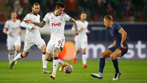 В «Локомотиве» отреагировали на свист фанатов в адрес Смолова: «Выйдите и покажите, как умеете играть»