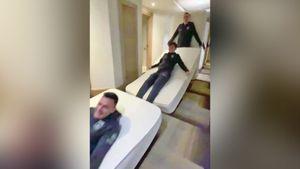Игроки «Рубина» превратились в живое домино с матрасами: видео