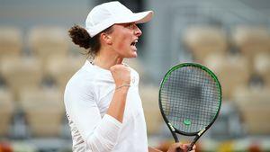 Ига Швентек в 19 лет — чемпионка «Ролан Гаррос». Она доминирует на корте, фанатеет от Надаля и слушает рок