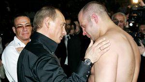 10 лет назад Емельяненко проиграл, а американцы удивлялись: «На его бои ходит даже Путин». Как это было