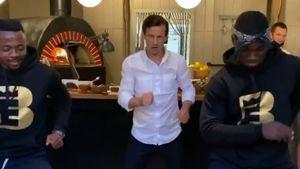 Семак подарил жене танец с чернокожими парнями: видео с тренером «Зенита» в день рождения супруги