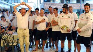 Самый импульсивный президент мирового футбола продал клуб. За 16 лет он уволил 43 тренеров