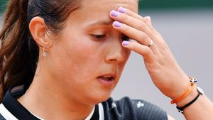 Лучшая русская теннисистка Касаткина скатывается насамоедно. Она вылетела сУимблдона в1-й день
