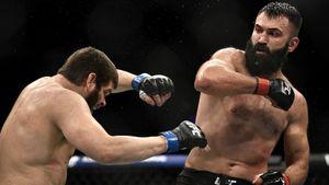 Белорусский боец Орловский назвал гопником российского чемпиона UFC Петра Яна: видео