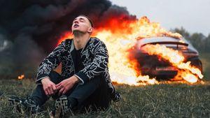 Экс-футболист «Спартака» Д. Комбаров осудил блогера Литвина за сожженный «Мерседес» стоимостью 13 млн рублей