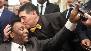Пеле отреагировал на смерть Марадоны: «Однажды мы вместе попинаем мяч на небесах»