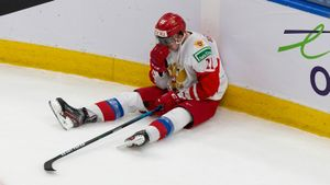 Русский хоккеист заплакал прямо на льду после поражения от Финляндии. Видео эмоциональной реакции Бардакова