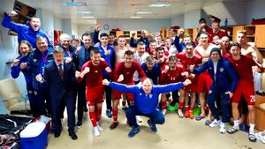 Сербские братушки спасли нашу сборную, обыграв Польшу. Молодежке остался шаг до второго за 20 лет попадания на Евро