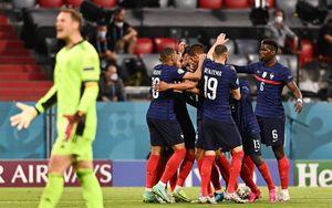 Франция обыграла Германию на чемпионате Европы благодаря автоголу Хуммельса