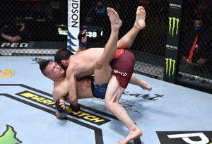 Махачев победил в UFC в стиле Хабиба. Нурмагомедов уверен, что Ислам заберет его чемпионский пояс