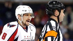 «Это позор для судей, НХЛ помогает Овечкину». Фанаты «Флайерз» набросились наОви, арбитров илигу
