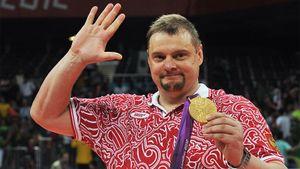 Герой России Алекно, принесший легендарное золото в волейболе, сейчас в Иране. История топ-тренера