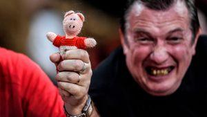 «Порвем козлов!», свиные головы и животное на поле. Помните ли вы всю дичь дерби? Тест Sport24