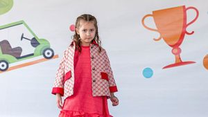 Пятилетняя дочь Буре впервые вышла на подиум в роли модели на мероприятии в элитном гольф-клубе: фото