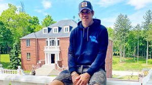 Роскошный особняк русского хоккеиста Малкина в Америке. Он смог купить дом по соседству с Кросби всего за $1,5 млн