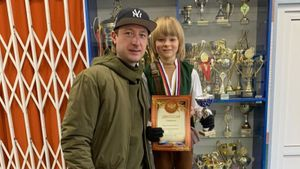 8-летний сын Плющенко выиграл турнир по фигурному катанию. Он был самым младшим из участников