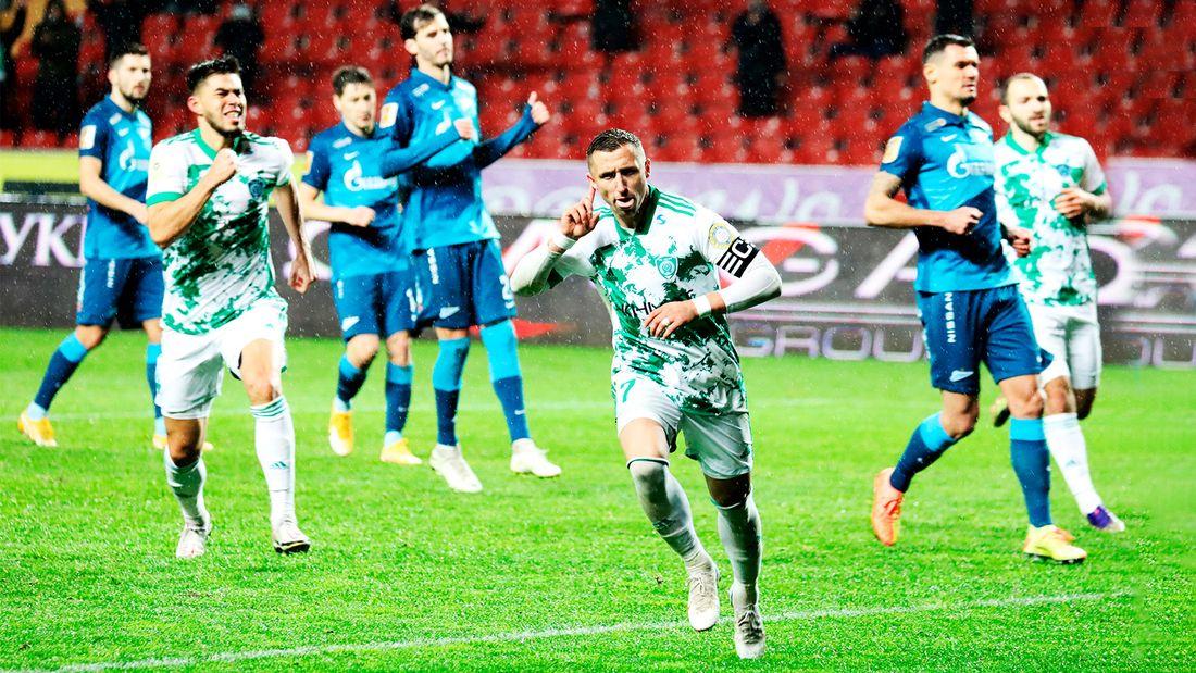 «Зенит» лишился победы над «Ахматом» из-за спорного пенальти. Но все равно вернулся на первое место
