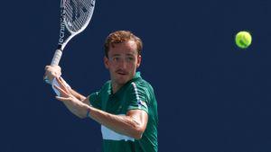 Медведев вышел в 3-й круг «Мастерса» в Мадриде