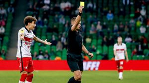 Судьи матча «Краснодар» — «Спартак» отстранены. В РФС считают, что они помогали красно-белым