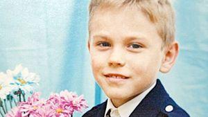 Пресс-служба сборной России показала детское фото Акинфеева стелефонной трубкой вруках
