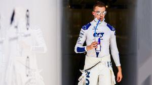 Квят провел шикарную гонку и попал в очки, а Ферстаппен «украл» победу у «Мерседеса». Гран-при 70-летия Формулы-1