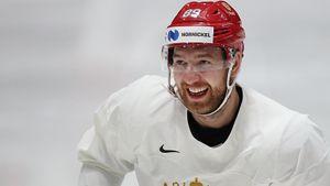 «Хочется до конца карьеры играть в НХЛ». Интервью Нестерова — о переезде в Канаду и контракте с «Калгари»