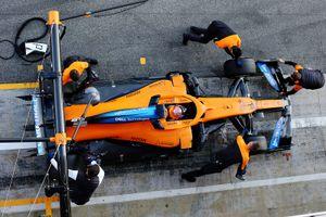 «Макларен» снялся с Гран-при Австралии. У сотрудника команды выявлен коронавирус