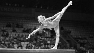 Советская гимнастка Лазакович употребляла алкоголь и выигрывала турниры. Ее жизнь оборвалась в 38 лет