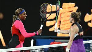 Серена Уильямс обыграла Халеп и вышла в полуфинал Australian Open