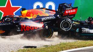 Ферстаппен сверху заехал на машину Хэмилтона в Италии— оба сошли. «Макларен» внезапно первым сделал дубль в сезоне