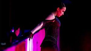 «Алина, катайся без прыжков». Болельщикам не понравились падения олимпийской чемпионки на шоу Тутберидзе