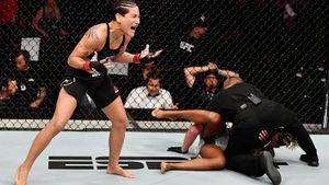 Девушка-боец из Бразилии вырубила соперницу в UFC за 40 секунд. ММА спасли ее от наркозависимости