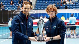Россия вырастила монстров: Медведев и Рублев в финале ATP Сup заставили итальянцев нервно смеяться от бессилия