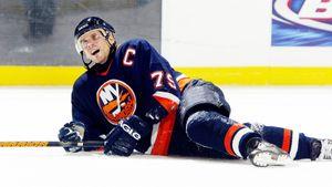 Канадские журналисты обесценили русскую легенду хоккея. Зачто Яшина назвали худшим 79-м номером вистории НХЛ
