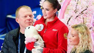 «Алина лучше всех, а Женьку любят и будут любить!» Эксперты — о прокатах Загитовой и Медведевой