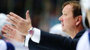 Новый менеджер «Трактора» везет самого буйного латышского тренера. Онмог назначить его в«Салават»