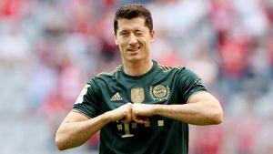 Левандовски получил «Золотую бутсу» как лучший бомбардир прошлого сезона
