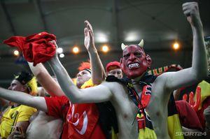 Суши из японцев, дьяволы рядом с игроками «Спартака»: огненные фото из Ростова
