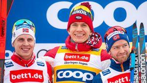 Большунов разделался с четырьмя норвежцами на финише скиатлона в Германии. Клэбо от бессилия сошел