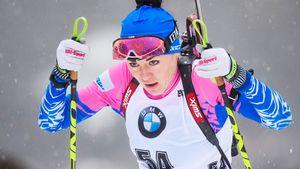 «Лыжи небегут», «чувствуем себя плохо». Русские биатлонистки начали год сужасной гонки вГермании