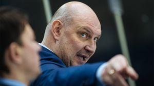 В КХЛ перестали увольнять тренеров — за два месяца всего одна отставка. Российский хоккей изменил коронавирус