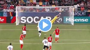 Игрок сборной Германии U21 забил красивый гол неожиданным ударом сдальней дистанции наЧЕ-2019