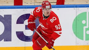 Над лидером молодежной сборной России издеваются в «Спартаке». Пономареву дают 1-2 минуты и ссылают в Вышку