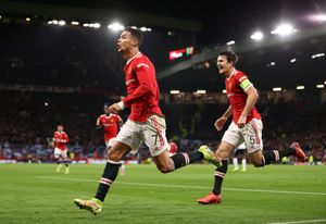 «Манчестер Юнайтед» победил «Аталанту», проигрывая по ходу матча 0:2. «Вильярреал» разгромил «Янг Бойз»