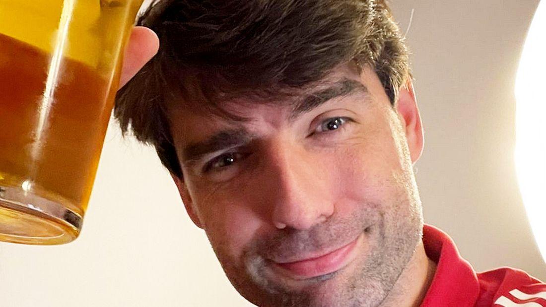 Чорлука опубликовал фото с пивом после победы над ЦСКА: Болельщики просили меня