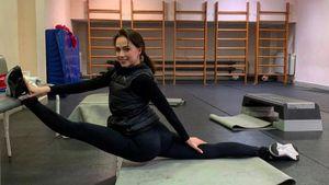 Приостановившая карьеру Загитова показала классную растяжку натренировке